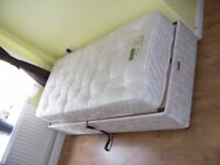 CAN DELIVER - ADJUSTABLE ELECTRIC SINGLE BED WITH MATTRESS IN GREAT CONDITION