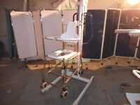 Arjo Ambulift Classic Electric Bath Hoist/Mobile Commode Shower Chair/Disability