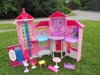 Barbie Dolls House/Castle