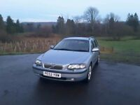 VOLVO V70 SE AUTOMATIC. ONE PREVIOUS OWNER. 211,578 MILES. 19 VOLVO STAMPS! MOT FEBRUARY 2018.