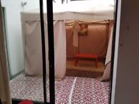 Bright and Spacious Double Room with private patio-Halloway