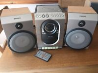 Micro Hi-Fi system with remote control