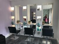 Beautiful salon in Leslie up for rent!