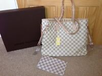 Louis Vuitton White Neverfull bag Medium Checkered bag for sale with a purse