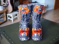 New Rock Black Leather Boots with Red Flames and Reactor Sole