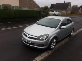 Vauxhall Astra CDTI design sat-nav