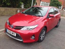 Toyota Auris Hybrid icon plus.