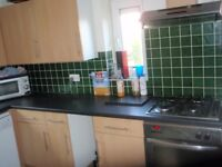 ROOM TO LET In 3 Bedroom, purpose-built flat on 2nd floor of quiet block with 2 Other Professionals