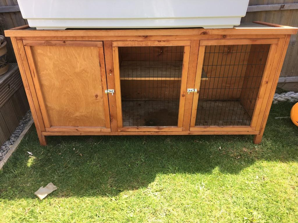 Huge 5ft Hutch with added shelf only used indoors