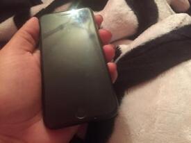 Iphone 7 - 32gb - unlocked - light crack - cheap