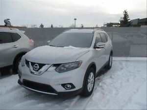 2016 Nissan Rogue SV | Roof | Backup CAM |