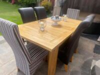 **REDUCED**L@@K *BARGAIN* Heavy Oak Table and Six Chairs