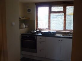 1 Bedroom Refurbished flat to rent Gosport. Available Mid to End December.