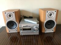 Sony DHC-MD333 CD, radio and MiniDisc mini-hifi player