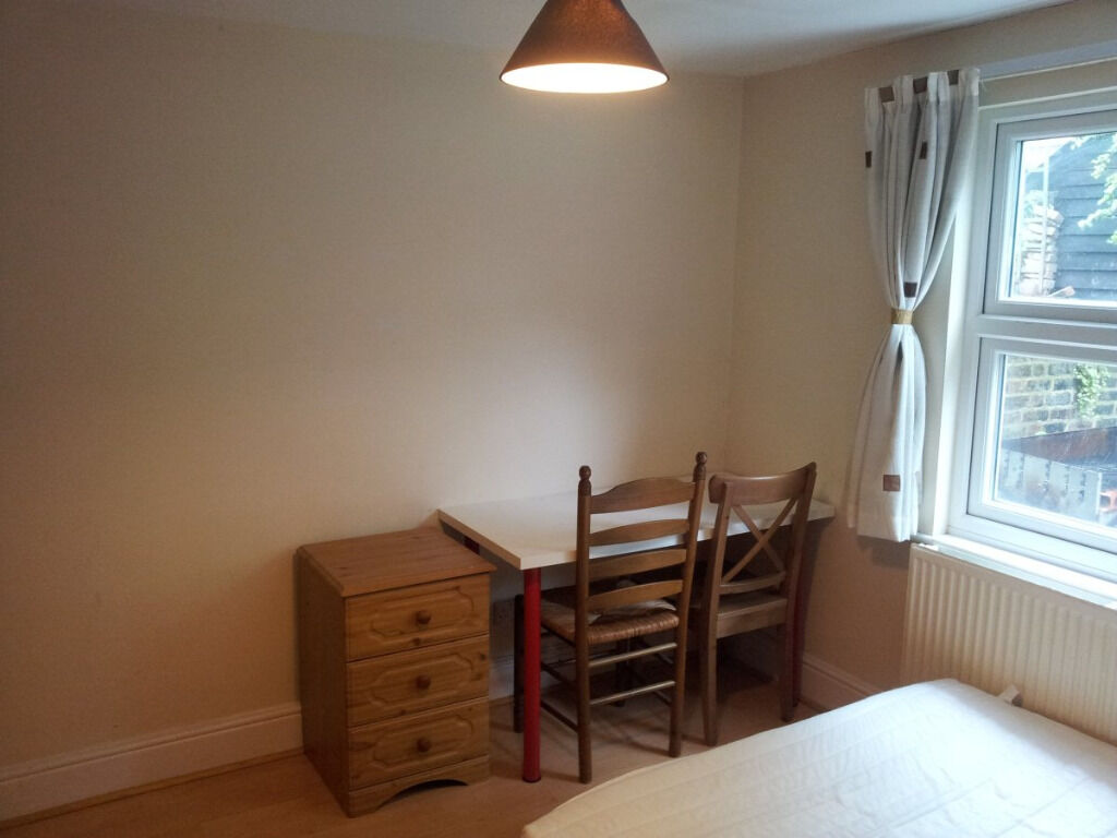 Nice and lovely Double room in Residential Area in Acton !!! AVAILABLE NOW !!! ALL BILLS INCLUDED