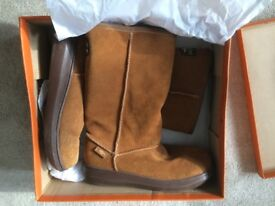 Rocket Dog Ladies Boots Size UK 6 (Worn once -as new)