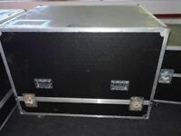 VERY large Flight case on wheels and with removable lid