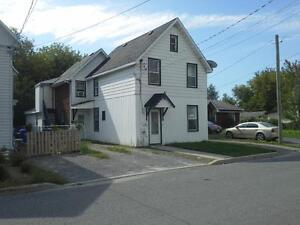 Available Now - NICE ONE-BEDROOM APARTMENTCLOSE TO AYLMER MARINA