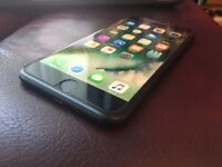 Iphone 7 plus black 128gb on EE and has box