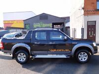 Ford Ranger WILDTRAK TDCI in the best colours black over silver.. AIR CON Heated seat NO VAT (41)