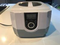 Ultrasonic electric jewellery cleaner