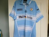 SIGNED HULL FC SHIRT VERY GOOD CONDITION