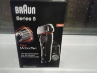 braun flex series 5 flex motiontec shaver with cleaning/docking station