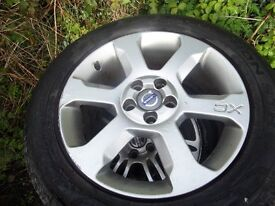 SET OF ORIGINAL ALLOYS IN GREAT ORDER FOR A VOLVO XC70 2009 CAR STAMPED XC WITH PIRELLI TYRES