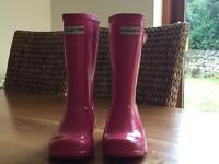 Hunter girls fuchsia wellies and hunter navy wellie inner socks