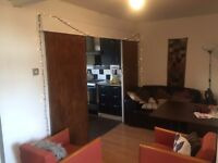 ** NO AGENCY FEE ** Big Double Room / Fully Furnished / Aldgate Area, ZONE 1 / Avail NOW !!