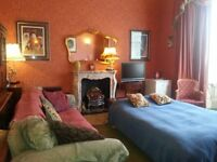 Festival Let Very Large Room Available 30th July to 31st August. Near Edinburgh Castle £300 per week