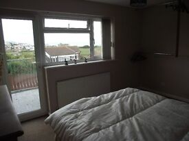 Preston Weymouth large double en suite room quite private residential area