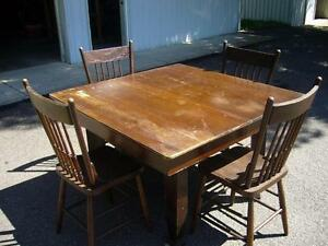 ANTIQUE DINING SET-TABLE & SIX CHAIRS-EXCELLENT CONDITION