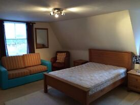 Spacious double room in a stunning location - Available now!