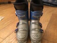 Childrens Ski Boots (4 1/2)