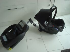 Maxi Cosi Car Seat And Easyfix Isofix Base COST £260