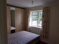 Country house Double room on bus and train routes to Stockport from Disley, no deposit