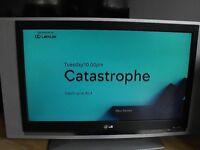 "32"" LG Flatscreen TV with remote"
