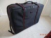 Large Suitcase on wheels 82cm (32 inch)