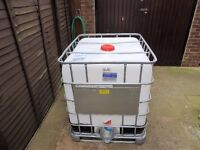 IBC water storage tank. Ideal to store your pure water for window cleaning etc.