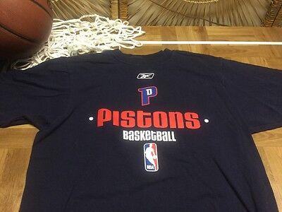 Official REEBOK DETROIT PISTONS Basketball NBA Tee T Shirt medium M c20 Reebok Basketball Tee