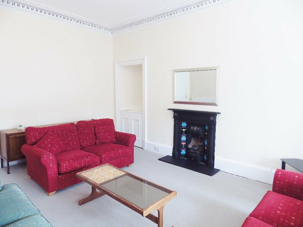 2 bedroom fully furnished 3rd floor flat to rent on Marchmont Road, Marchmont, Edinburgh