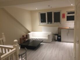 Brand New Refurbished flat in town center 8 mins walk to Station INCLUDING ALL BILLS!