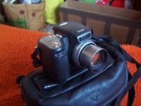 Kodak DX6490 digital camera with case