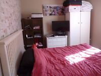 Double room in house share - Stoke Gifford - bill inc