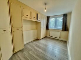 3b + 2wc/shower parking for car - 0.1m from Stanmore Jubilee Tube - Rusper Close HA7 near Edgeware