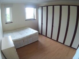 Nice double room in Canning Town