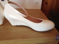 White wedge shoes size 6