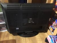 31.5 inch Tevion model 43081 TV with remote