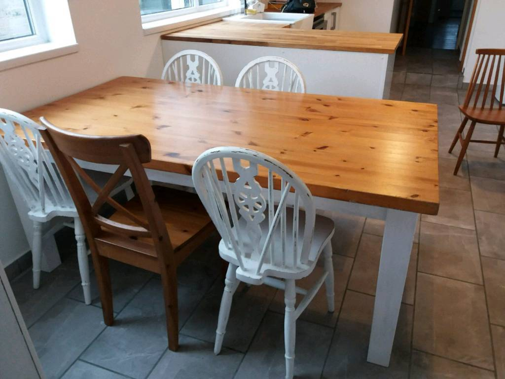 solid pine kitchen table in whitley bay tyne and wear gumtree